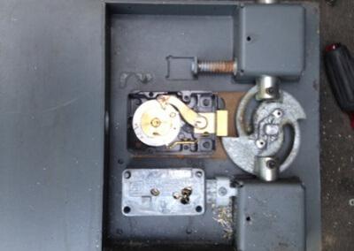 Safe-Cracking-and-Lock-Repair-5-400x284